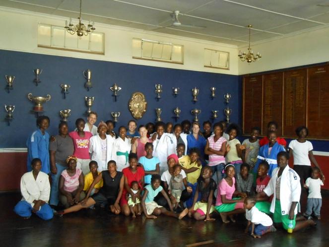 Gruppebilde fra judoklubb i Zambia