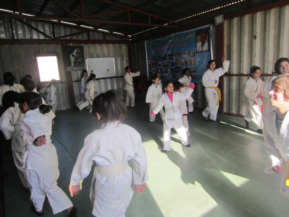 Jentejudo i Afghanistan - trening